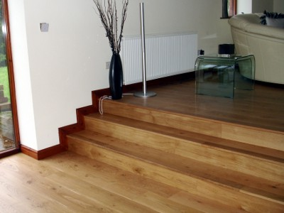 Hardwood Oak Flooring To Creat Steps